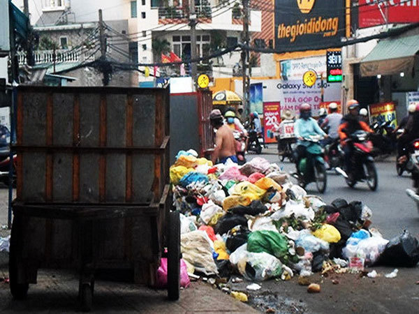 Garbage collection fees to increase in HCM City