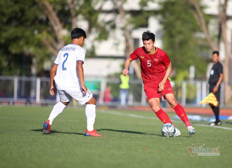 U22 Việt Nam thắng to Lào: Tiến Linh số 1, điểm trừ hàng thủ