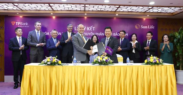 Sun Life Việt Nam bắt tay TPBank phân phối bảo hiểm nhân thọ