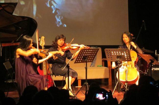 Erato School of Music & Performing Arts,L'espace,charity concert