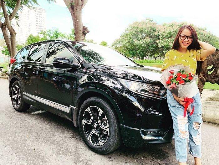 Liều mạng sinh con, mỹ nhân Việt được chồng tặng nhà, hàng hiệu, xe hơi