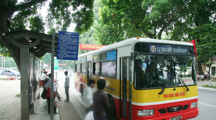 Hanoi to build 600 new European standard bus stop shelters