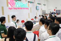 Ngân hàng mạnh tay chi học bổng cho sinh viên tài năng