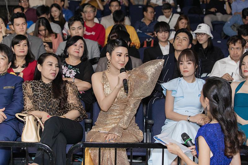 Yan My xuất hiện rạng rỡ tại họp báo Ngôi sao xanh