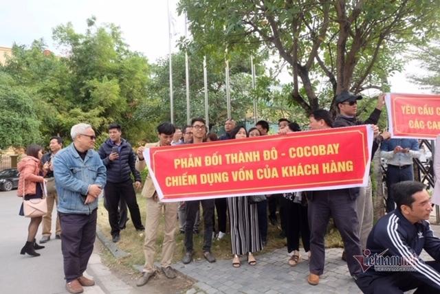Sa lầy ở Cocobay ôm cục nợ tiền tỷ, khách hàng vây trụ sở Thành Đô