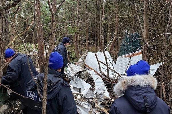 Máy bay gặp nạn thảm khốc, nhiều người chết thảm