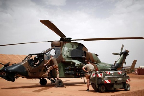 Pháp,Mali,IS,khủng bố IS,trực thăng đâm nhau
