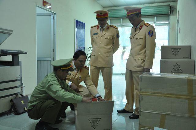 Bắt giữ lô mỹ phẩm Hàn Quốc gần 1 tỷ buôn lậu qua đường sắt