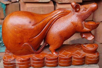 Tròn mắt thấy con chuột khổng lồ bóng loáng, nặng 10kg