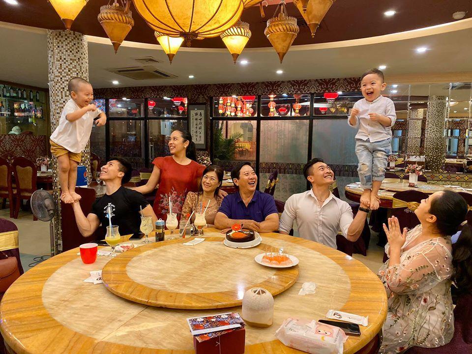 Minh Tú,Hoàng Thùy,Ngọc Châu,Dương Triệu Vũ,Puka,Lương Thùy Linh,H'hen Niê,Minh Hằng,Lệ Quyên,Bảo Thy