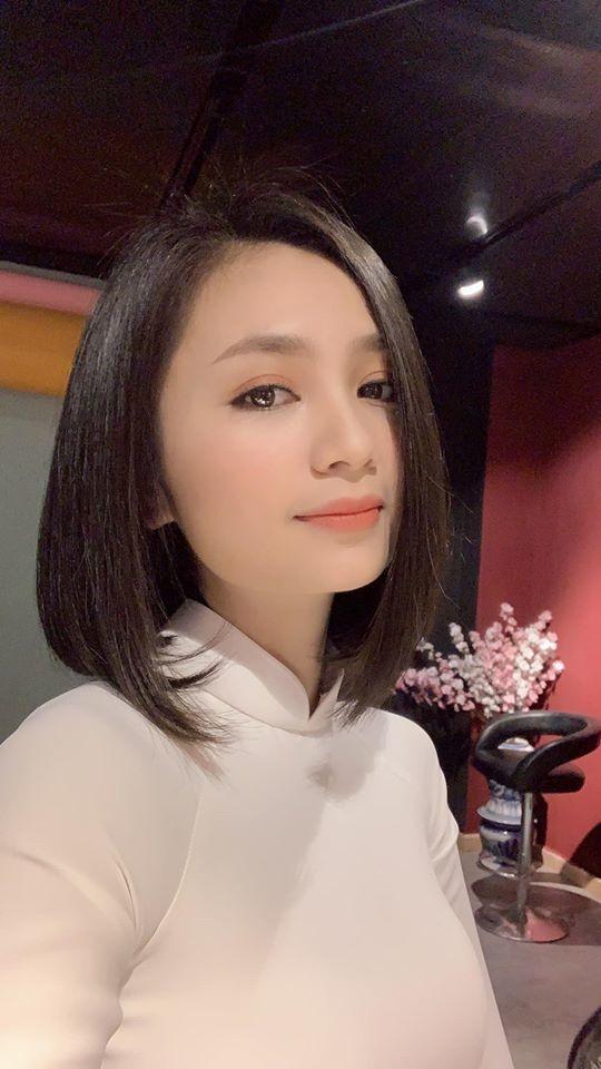 'Chị đẹp' San 'Hoa hồng trên ngực trái' ngoài đời khác hẳn trên phim