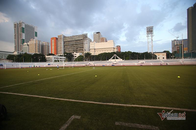 Trận U22 Việt Nam - U22 Singapore nguy cơ hoãn vì siêu bão
