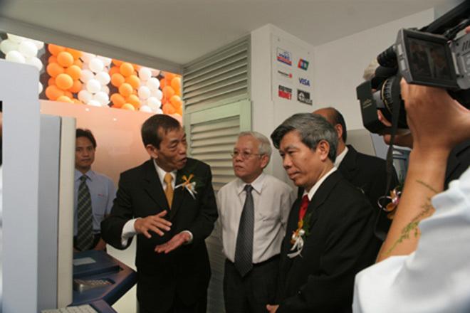 Chuyện ít biết về vị tiến sĩ gốc Việt phát minh ra máy ATM