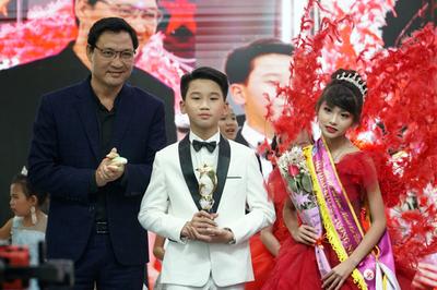 Nguyễn Huy Việt giành ngôi quán quân mẫu nhí Model kid Vietnam 2019