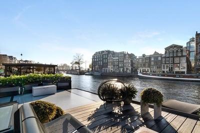 Bên trong 'cung điện nổi' xa xỉ trên sông ở Amsterdam