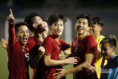 U22 Việt Nam đấu Thái Lan: Ai thay Quang Hải và đá sơ đồ nào?