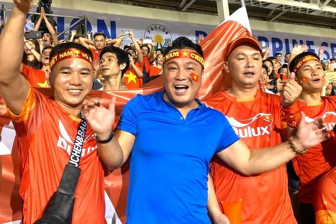 Sao Việt vỡ òa khi U22 Việt Nam thắng Indonesia vào phút cuối