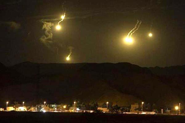 Xem lính Syria nã đạn máy bay không người lái tấn công tự sát