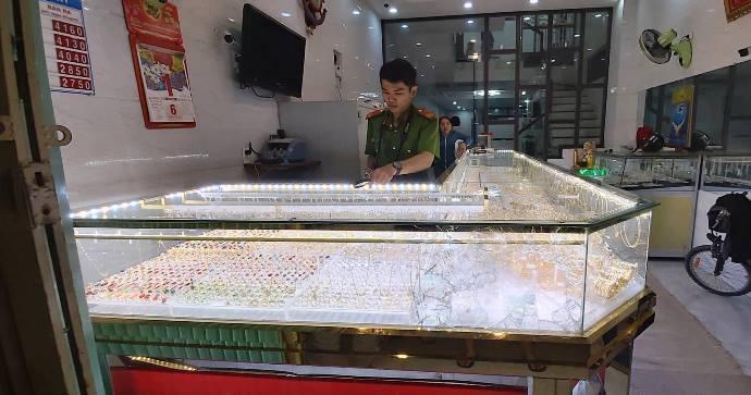 cướp tiệm vàng,Quảng Ngãi