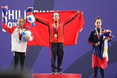 Vietnam obtains 10 gold medals on SEA Games 30's first day