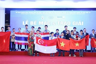 Vietnam students win most golds at IMSO 2019