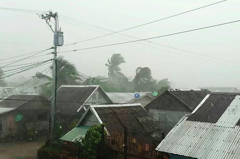 Siêu bão Kammuri,bão nhiệt đới,Philippines,sơ tán