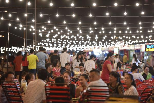 Đón đầu cơ hội kinh doanh chợ đêm ở trung tâm Hà Tiên