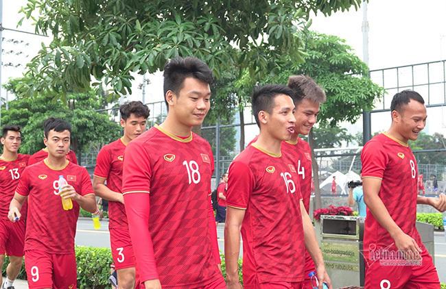 Đội hình U22 Việt Nam vs U22 Singapore: Văn Toản lấy chỗ Bùi Tiến Dũng
