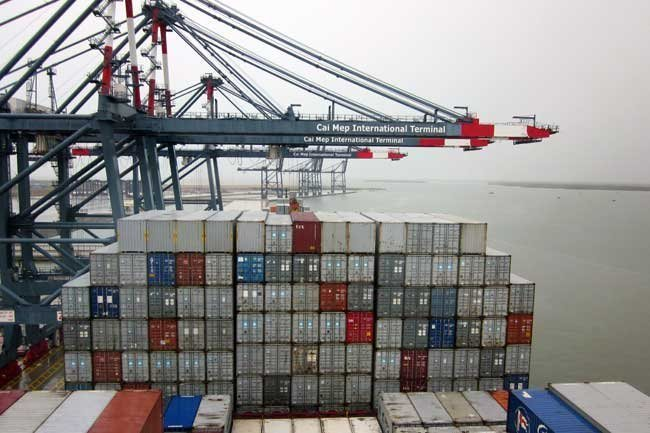 Customs departments tighten supervision on foreign investment