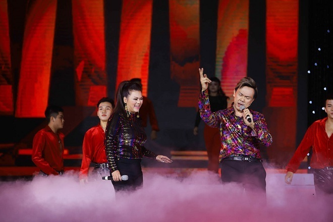 Ngọc Sơn, Giao Linh hát ở sân khấu Trống Đồng sau tin đồn đóng cửa
