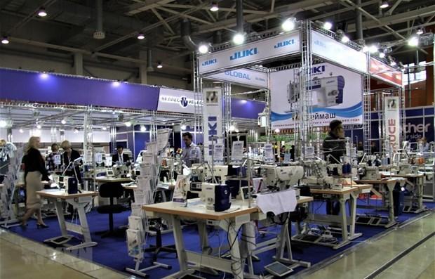 Vietnam Textile and Apprarel Association,healthy growth,economic slowdown,textile-garment export value,trade surplus,textile-garment products,Vietnam,Viet Nam News