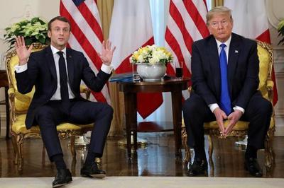 Cuộc gặp đầy ngượng ngùng của ông Trump