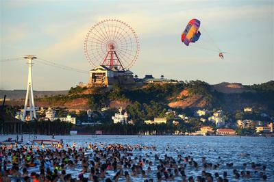 'Bệ đỡ' giúp du lịch Quảng Ninh tiến bước thần tốc