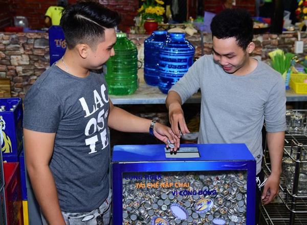 Góp nắp chai xây cầu - cách bảo vệ môi trường thiết thực