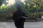 Người đàn ông Tiền Giang tung tin nhóm mặc đồ đen ăn xin bị triệu tập