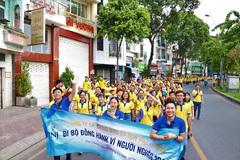 Hàng trăm nhân viên PNJ tham gia đi bộ vì người nghèo