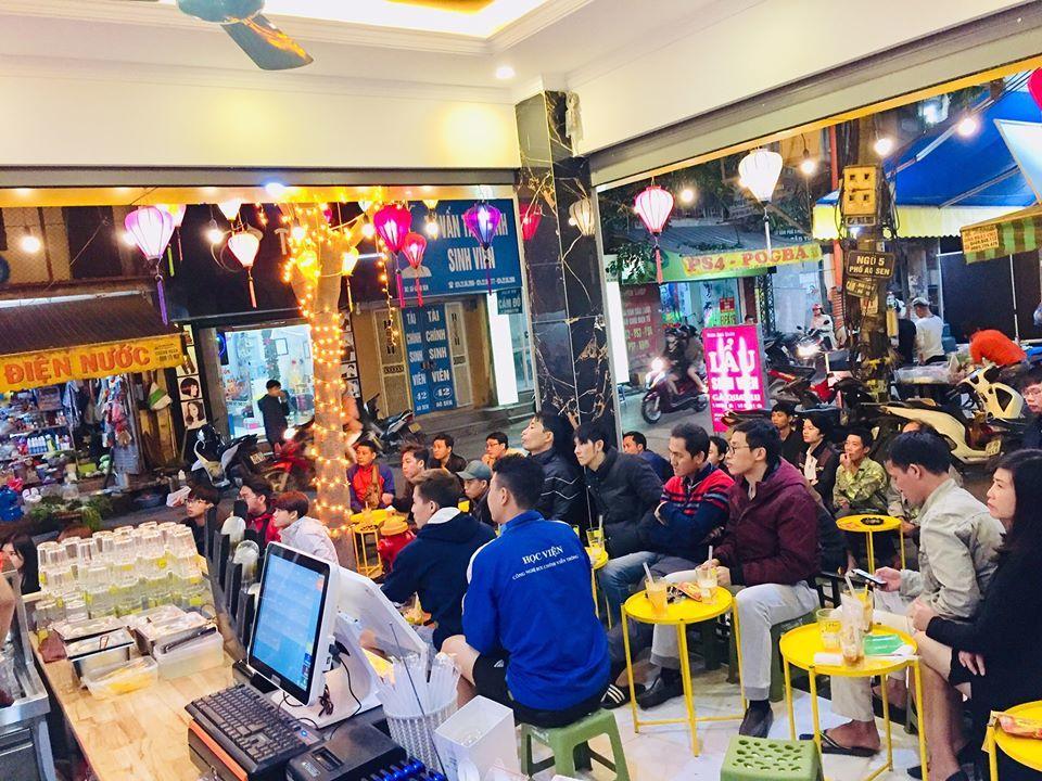 Ghế nhựa ngắm phố, cuộc chiến 'thay máu' trên vỉa hè Hà Nội
