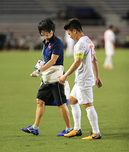 Vietnam star Quang Hai in danger of missing rest of SEA Games