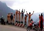 9 người đàn ông khỏa thân trên đỉnh Mã Pì Lèng
