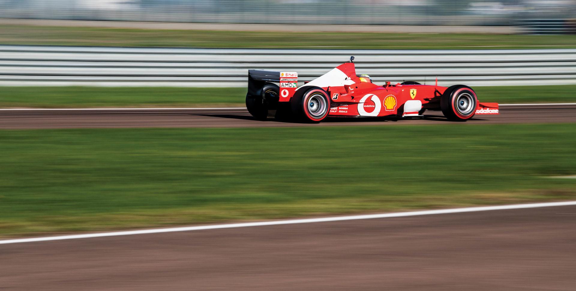 Xe đua Ferrari huyền thoại được Michael Schumacher cầm lái giá 154 tỷ đồng