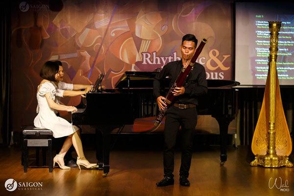 "Saigon Classical Music,""Holy Night"" concert"