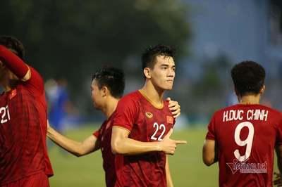 Tiến Linh bật mí lời thầy Park giúp U22 Việt Nam vực dậy trước Thái Lan