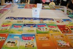 Nhà xuất bản chi tiền cho sở giáo dục, chọn sách giáo khoa có còn khách quan?