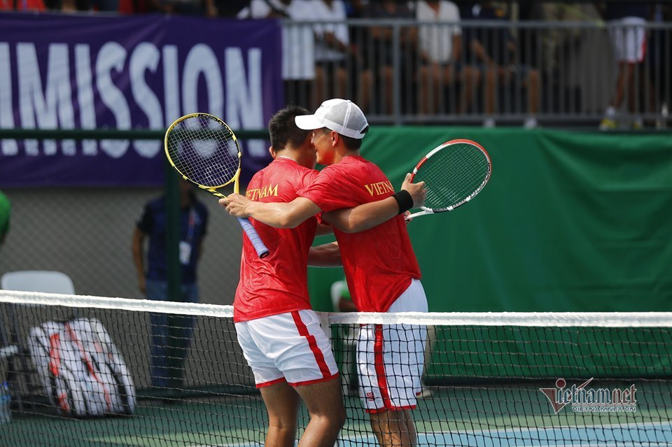 Khoảnh khắc Hoàng Nam giành HCV quần vợt lịch sử