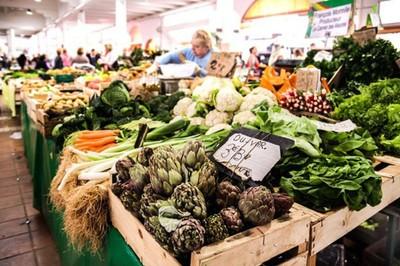 Mẹo đi chợ bất chấp gần Tết giá tăng giúp bạn tiết kiệm được cả đống tiền