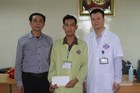 Bé Trần Mạnh Hùng bị u nguyên bào thần kinh được bạn đọc giúp đỡ hơn 28 triệu đồng