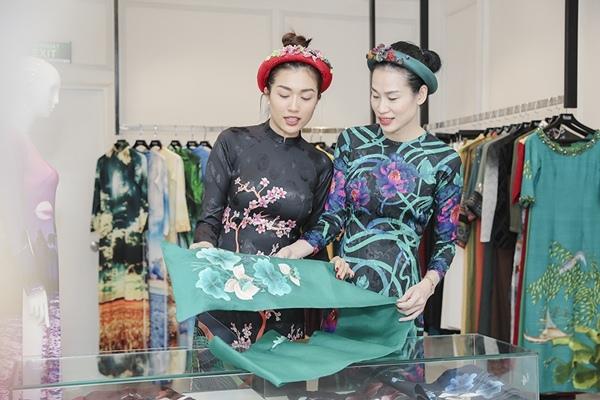 Lệ Hằng thử đồ chạy show sau chung kết Hoa hậu Hoàn vũ VN 2019