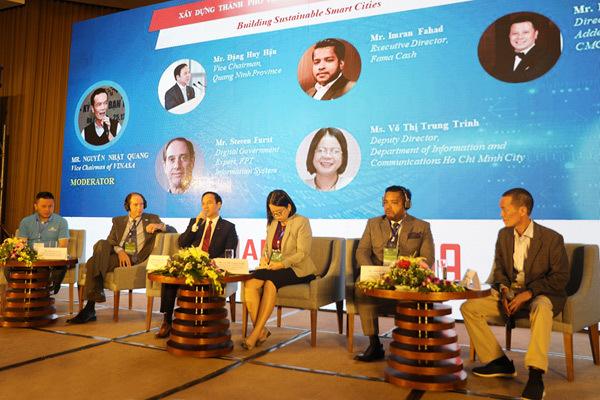 Quảng Ninh nỗ lực chuyển đổi số, xây dựng thành phố thông minh