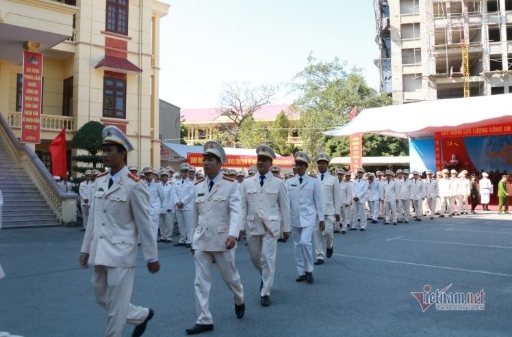 Trong 1 ngày, 356 công an chính quy tỉnh Hải Dương được điều động về xã