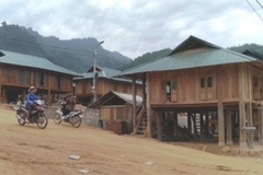 Thanh Hóa bàn giao 51 ngôi nhà tái định cư cho người dân vùng lũ Sa Ná